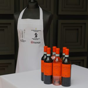 Fathers Day Dozen from The Art School online shop wine delivery collect. Castorani Cadetto montepulciano, trebbiano and cerasuolo, and a limited edition chef's apron form the singapore bicentennial.